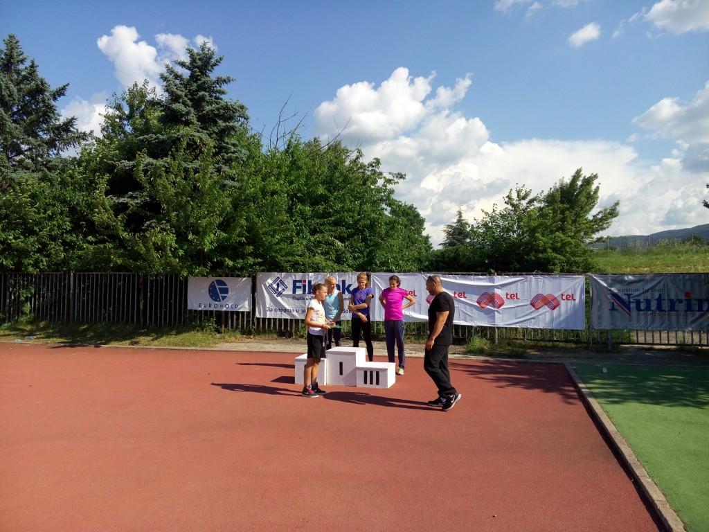 Награждаване на Мария Димитрова, Петя Дачева и Андриана Бънова